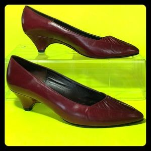 Sesto meucci of florence italy Leather kitten heel